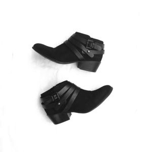 Steve Madden Black Ankle Booties EUC